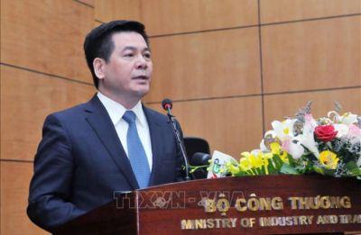 Nhiều cán bộ quản lý thị trường vừa bị khởi tố, Bộ trưởng Bộ Công Thương nói gì?