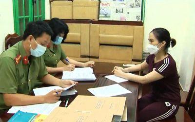 Khởi tố chuyên viên Tổng cục Đường bộ Việt Nam nhận tiền để cấp thẻ ''luồng xanh''