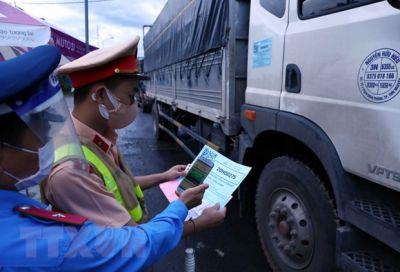 Hà Nội siết chặt kiểm tra người, phương tiện ra, vào thành phố