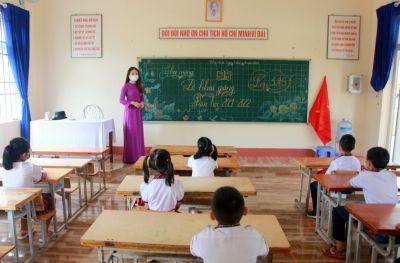Nhiều học sinh mắc COVID-19 chưa rõ nguồn lây, Đắk Nông tạm dừng dạy học