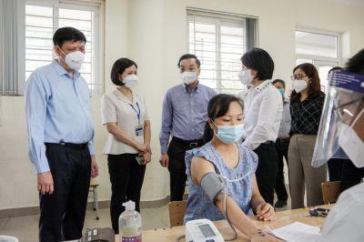 Bộ trưởng Y tế và Chủ tịch Hà Nội nói gì về việc nới lỏng giãn cách xã hội?