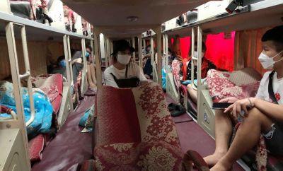 """Xử phạt gần 30 triệu đồng xe khách chở """"chui"""" nhiều người"""