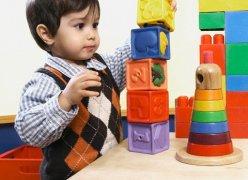 Cách chọn đồ chơi cho bé dưới 2 tuổi