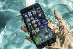 Cứu điện thoại bị rơi xuống nước ngay và luôn bằng cách ai cũng làm được