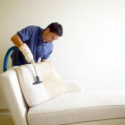 Mẹo vệ sinh sofa, nệm dày đúng cách đơn giản tại nhà