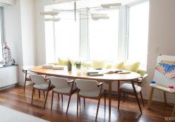 Chọn bàn đơn giản cho phòng khách thoáng đãng