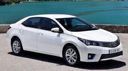 Đánh giá xe Toyota Corolla Altis 2015
