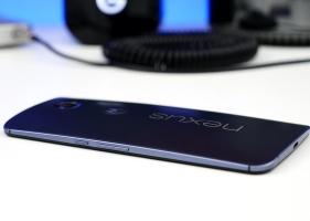 6 smartphone thân máy dày nhưng vẫn hay