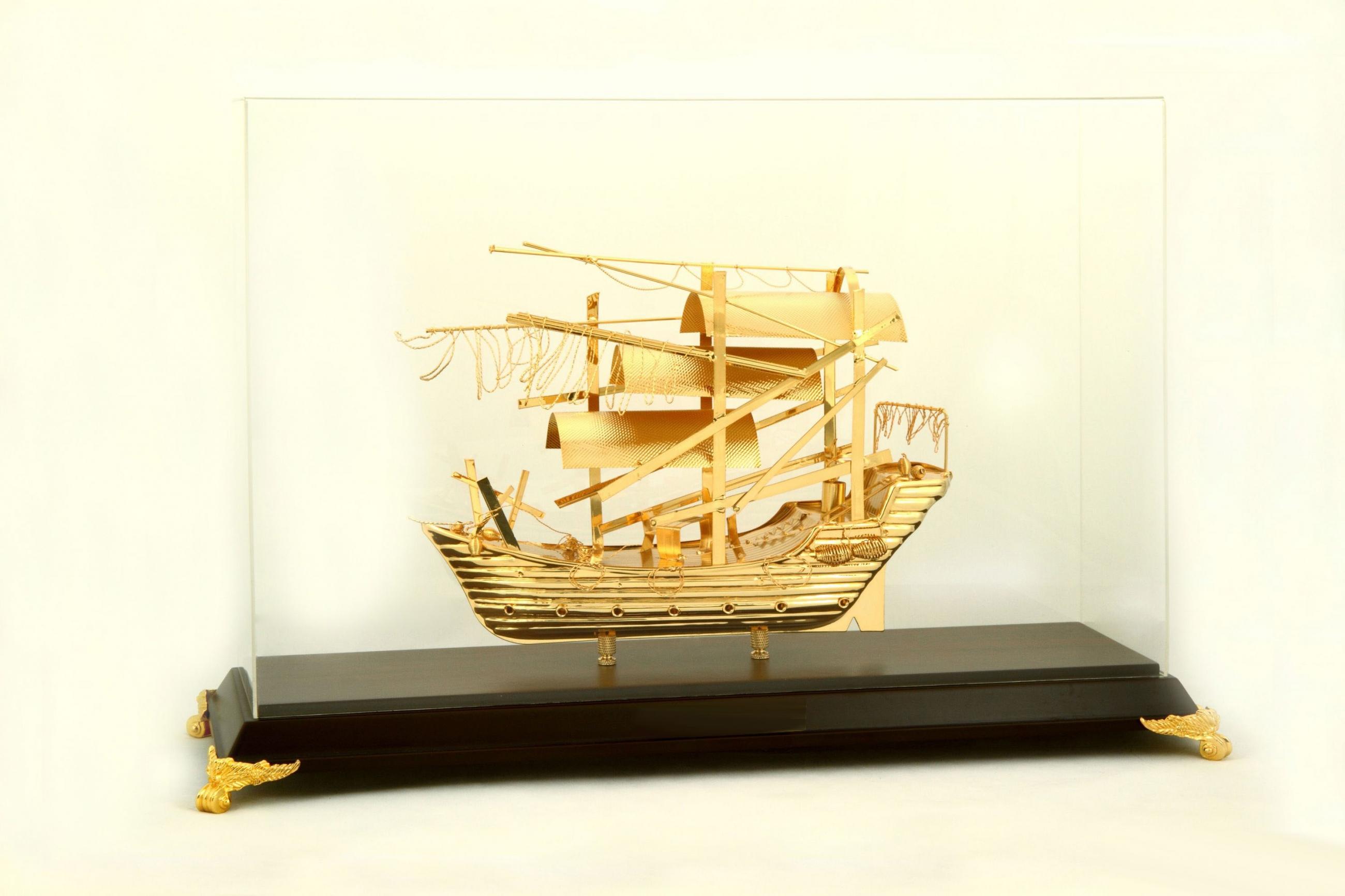Thuyền buồm mạ vàng 24K NSS-412GP