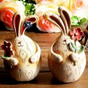 Bộ đôi thỏ tặng quà