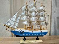 Thuyền buồm trắng ( size nhỏ )