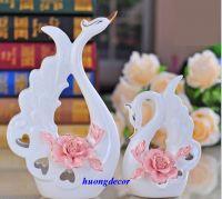 Đôi thiên nga hoa hồng sứ