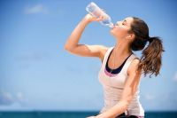 Tác dụng của việc uống đủ nước mỗi ngày ? Cách tính lượng nước cần uống sao cho phù hợp ?