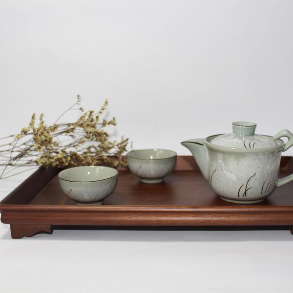 Khay trà gỗ gụ lá truyền thống