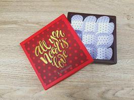 Hộp Chocolate Vuông ILOVEU Đỏ - Xanh 9 Viên
