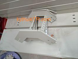 Co lên thang cáp 300x100 sơn tĩnh điện