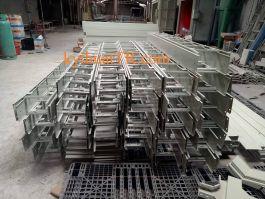 Thang cáp sơn tĩnh điện KT 250x150