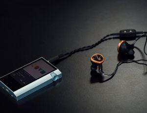 Astell&Kern AK70: máy nghe nhạc 24-bit/192kHz giá 599 USD