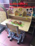 bàn ghế trẻ em màu vân gỗ mẫu 01