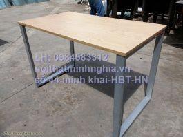 bàn làm việc chân sắt CU1606 mặt gỗ công nghiệp