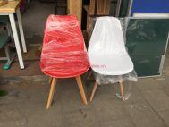 ghế chân gỗ mặt nhựa đủ màu