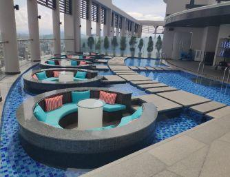 khu hồ bơi nghỉ dưỡng khách sạn Four Poits thành phố Đà Nẵng