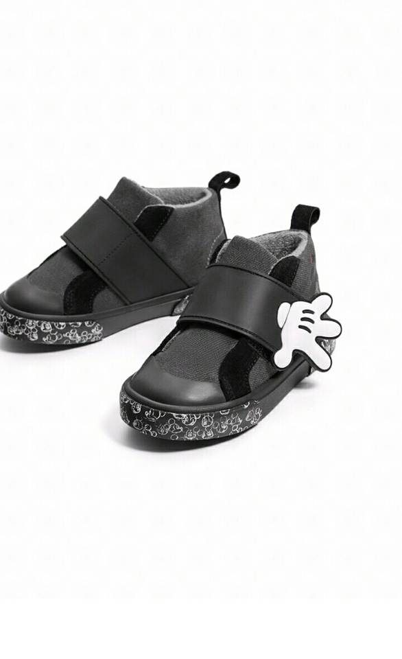 Giày Sneaker Cao Cổ Đen Quai Dán Tay Mickey