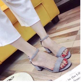 giay-sandal-cao-got-vuong-da-lon2