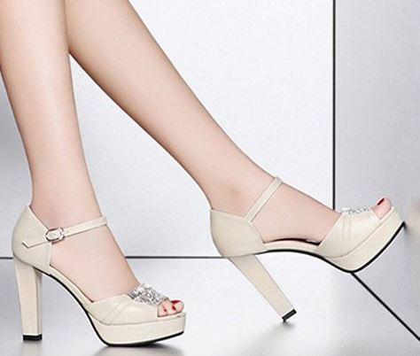 Giày cao gót Oreo đính đá