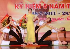 Yoga Ban Mai kỷ niệm 5 năm thành lập