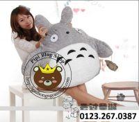 Gấu bông Totoro lông xù xách bánh ú (1m2)