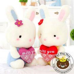 Thỏ bông ôm tim Nhật bản (40cm, 50cm, 60cm)