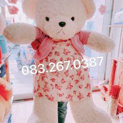 Gấu bông teddy trắng váy áo len (1m2)
