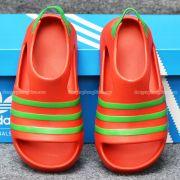 Sandal Adidas Adilette chính hãng màu đỏ sọc xanh lá