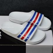 Adidas Duramo màu trắng sọc xanh đỏ xanh