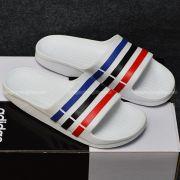 Adidas Duramo màu trắng sọc xanh đen đỏ