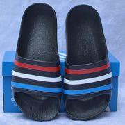 Dép trẻ em Adidas Adilette Aqua Kid màu đen sọc đỏ trắng dương