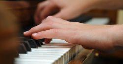 HIM - Tổng hợp những cuốn sách Piano hay, sách học Piano vỡ lòng, giáo trình Piano cho trẻ em, những tài liệu học Piano cho người mới bắt đầu, các bạn tải miễn phí về nhà để tập luyện.