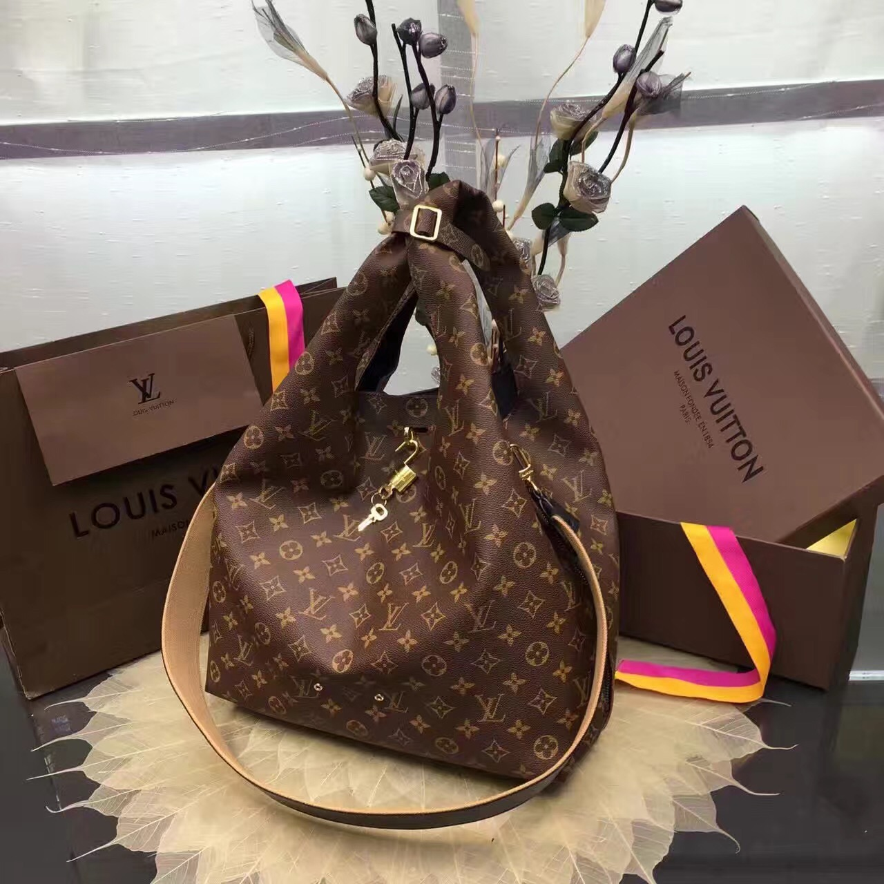 Túi Xách Louis Vuitton Monogram Canvas Atlantis Bag-M43096-TXLV099