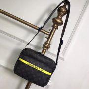 Túi xách nam Louis Vuitton Messenger siêu cấp - TXLV152
