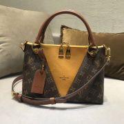 Túi xách Louis Vuitton V Tote siêu cấp VIP - TXLV291