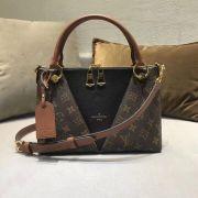Túi xách Louis Vuitton V Tote siêu cấp VIP - TXLV293