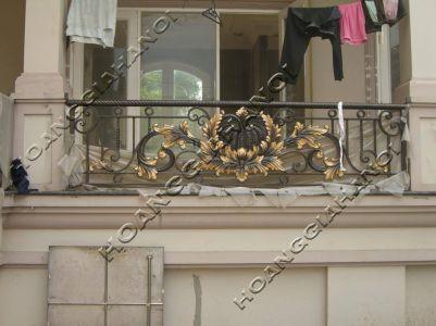 Những mẫu lan can cầu thang đẹp làm từ hợp kim nhôm đúc sang trọng, đẳng cấp