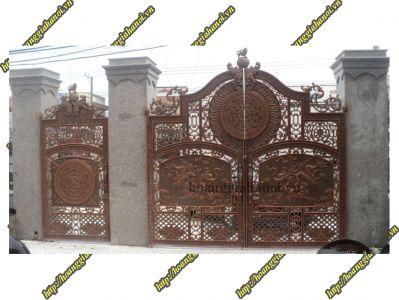 Thi công cổng đồng đúc tại Cà Mau