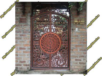 Thi công cổng đồng đúc tại Hà Giang