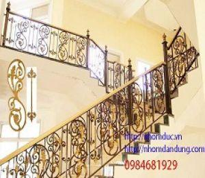 Cầu thang nhôm đúc đẹp dành cho lâu đài biệt thự