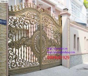 Cổng nhôm đúc sắc vàng thời thượng