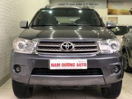 Toyota Fortuner V 2011 chính chủ còn mới