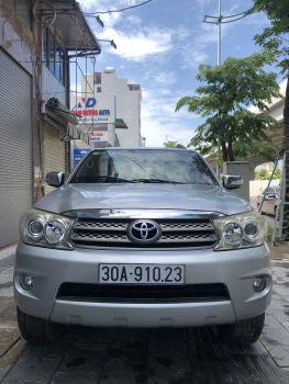 Xe Toyota Fortuner 2.7V 2009