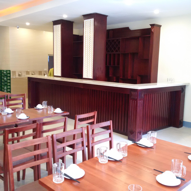 Phòng ăn+ Quày bar